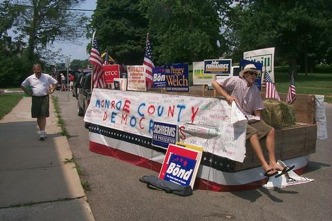 Monroe County Democrats Float